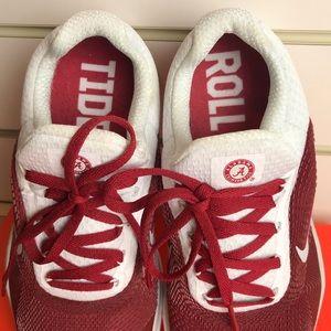 d748636f2834 Nike Shoes - Nike Alabama 8.5 free trainer V7 week zero Crimson